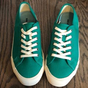 Shoes - green sneaks